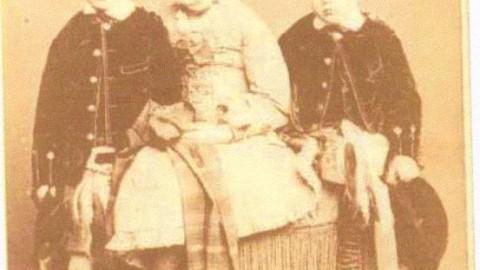 Donald, Annie (1870-1923) & Harry Munro